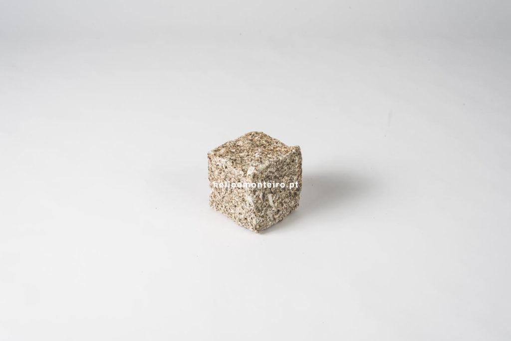 cube mosaïque granit jaune hélio monteiro Portugal