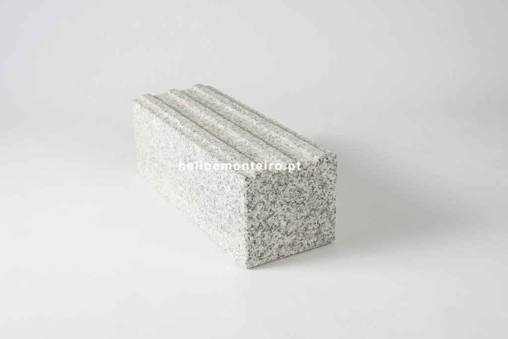 guia-lancil-com-estriado-granito-cinza-helio-monteiro-5293