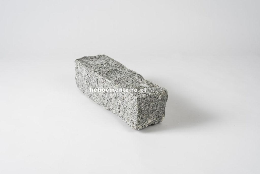 Falca-rough-guide granite-gray-helio-monteiro-5287