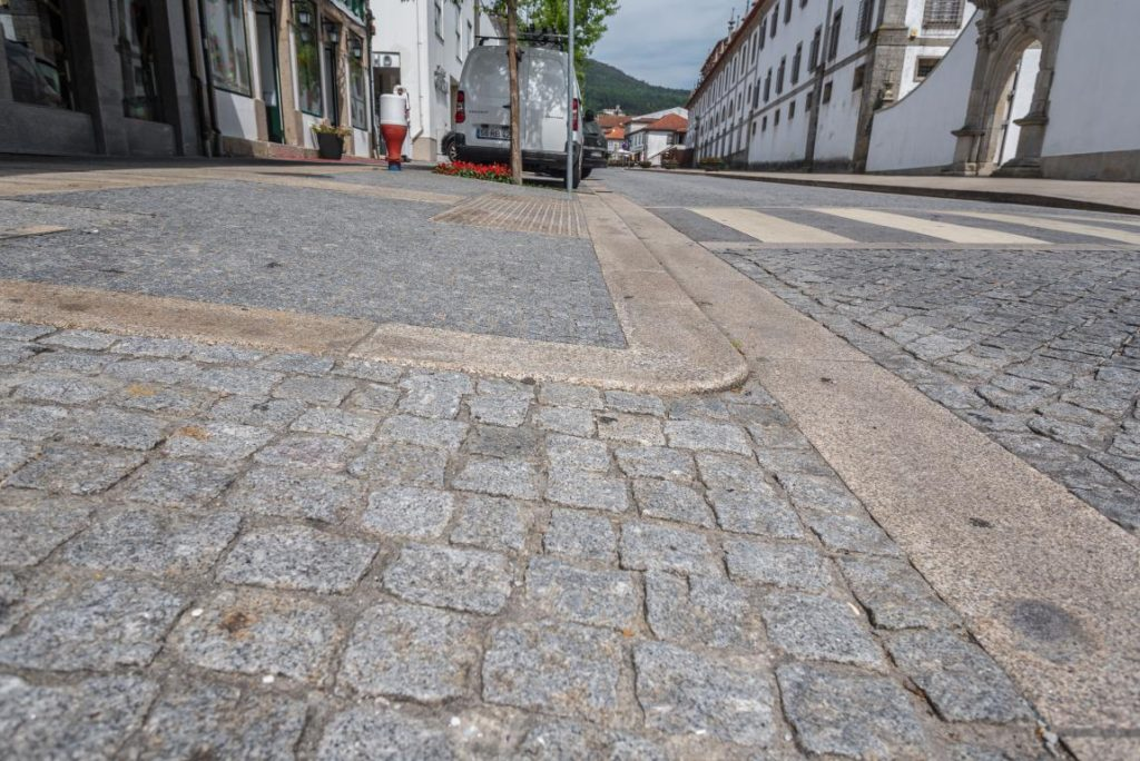 Cube Kerb Guide granite hélio monteiro granites au nord portugal_5008
